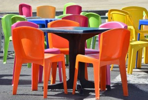 tables-and-chairs-1041282_1920